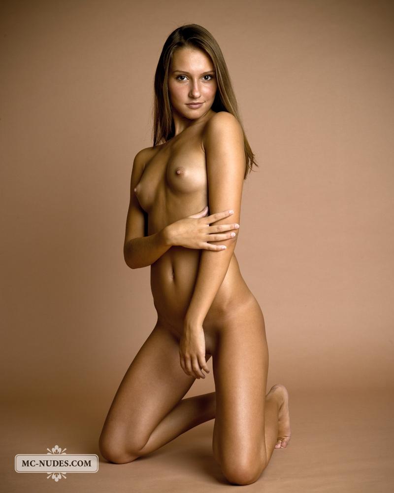 Neked virgin girl picture