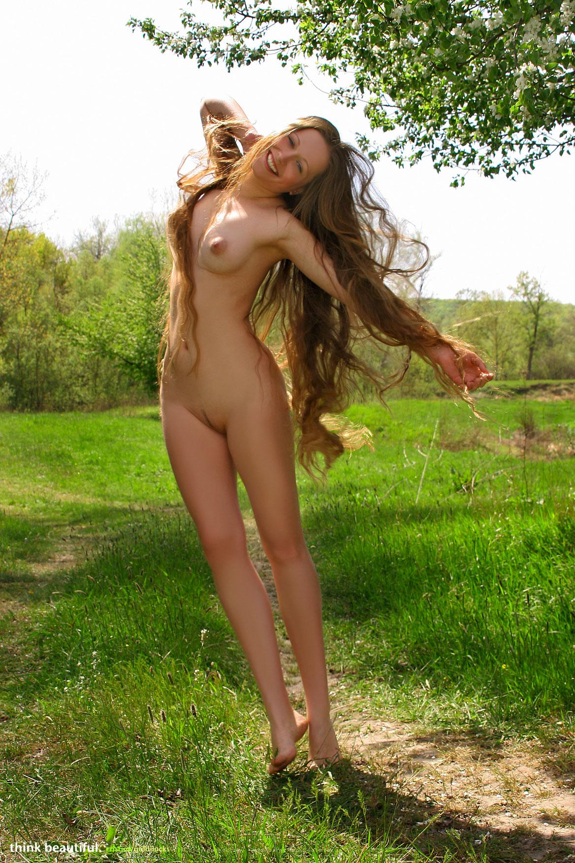 Cristina Goldilocks - NudesPuri.com