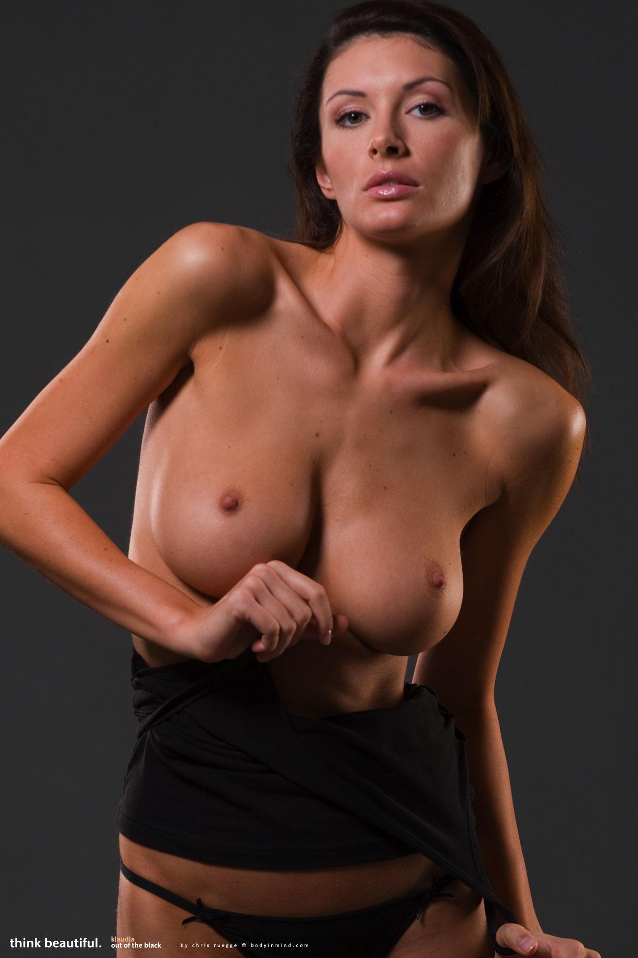 Klaudia Blackout - NudesPuri.com