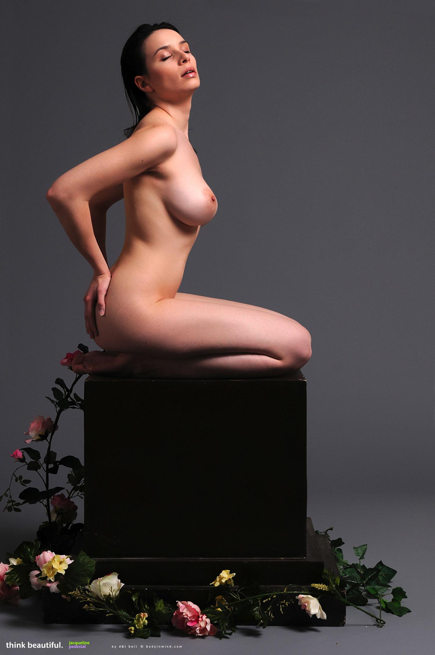 Jacqueline Pedestal - NudesPuri.com