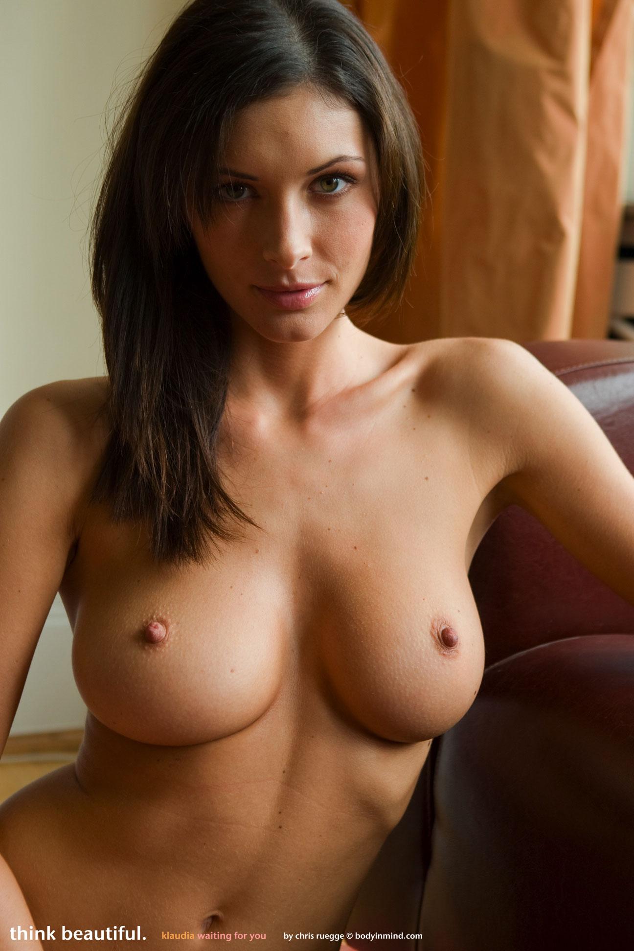 beautiful women butts naked