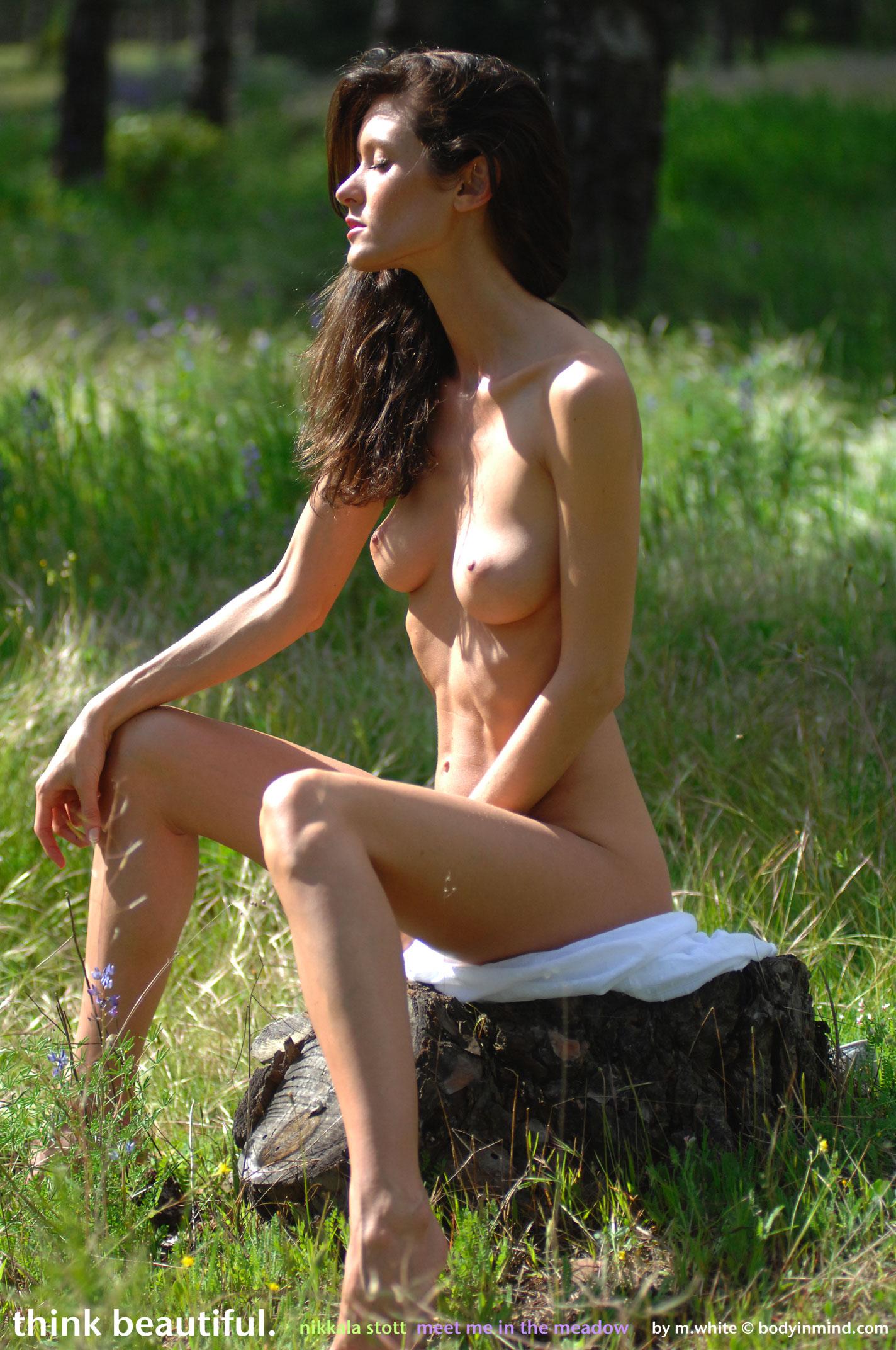 Nikkala Stott in Meadow - NudesPuri.com