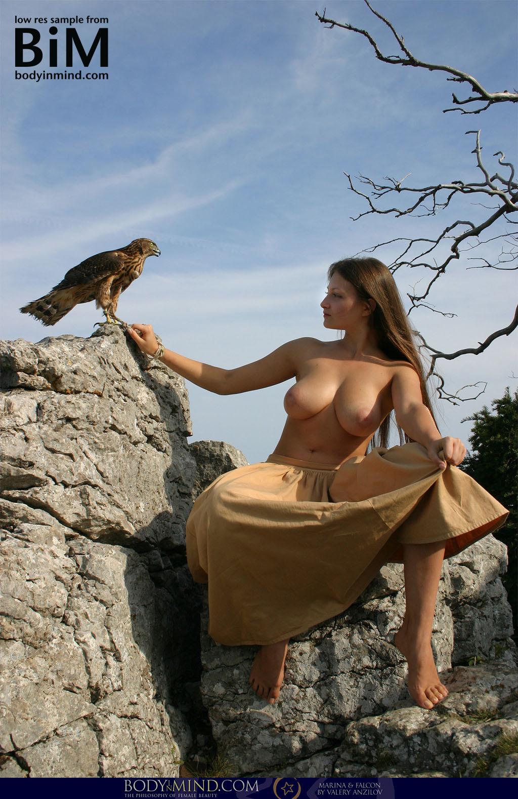 Marina and Falcon - NudesPuri.com