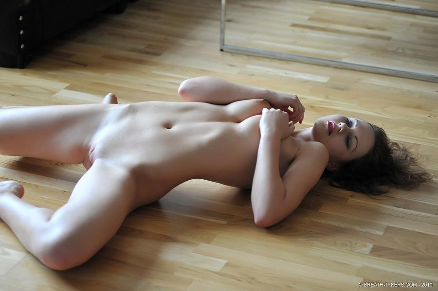 Tina Morning Stretch - Nudespuricom-2204