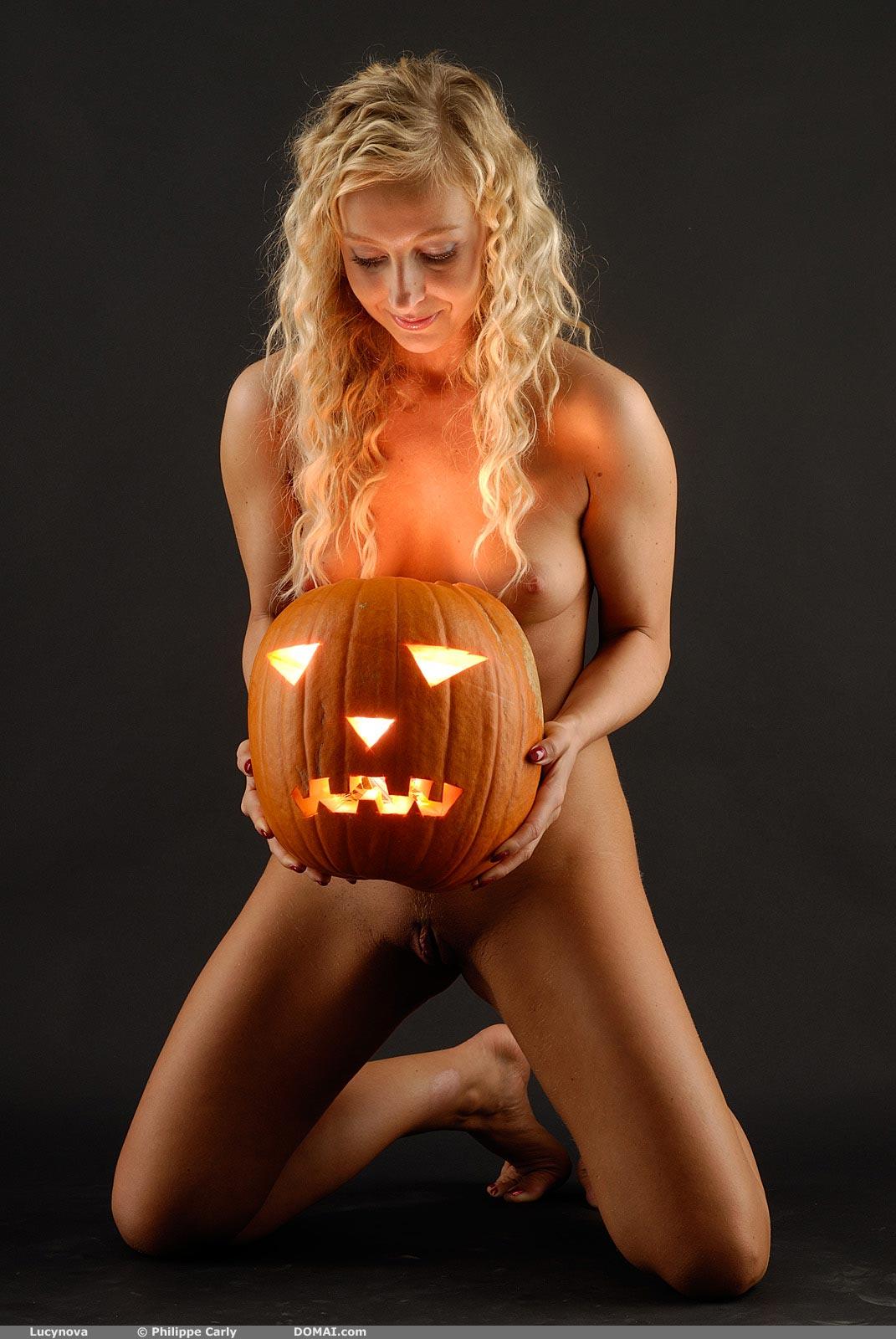 LucyNova Halloween - NudesPuri.com