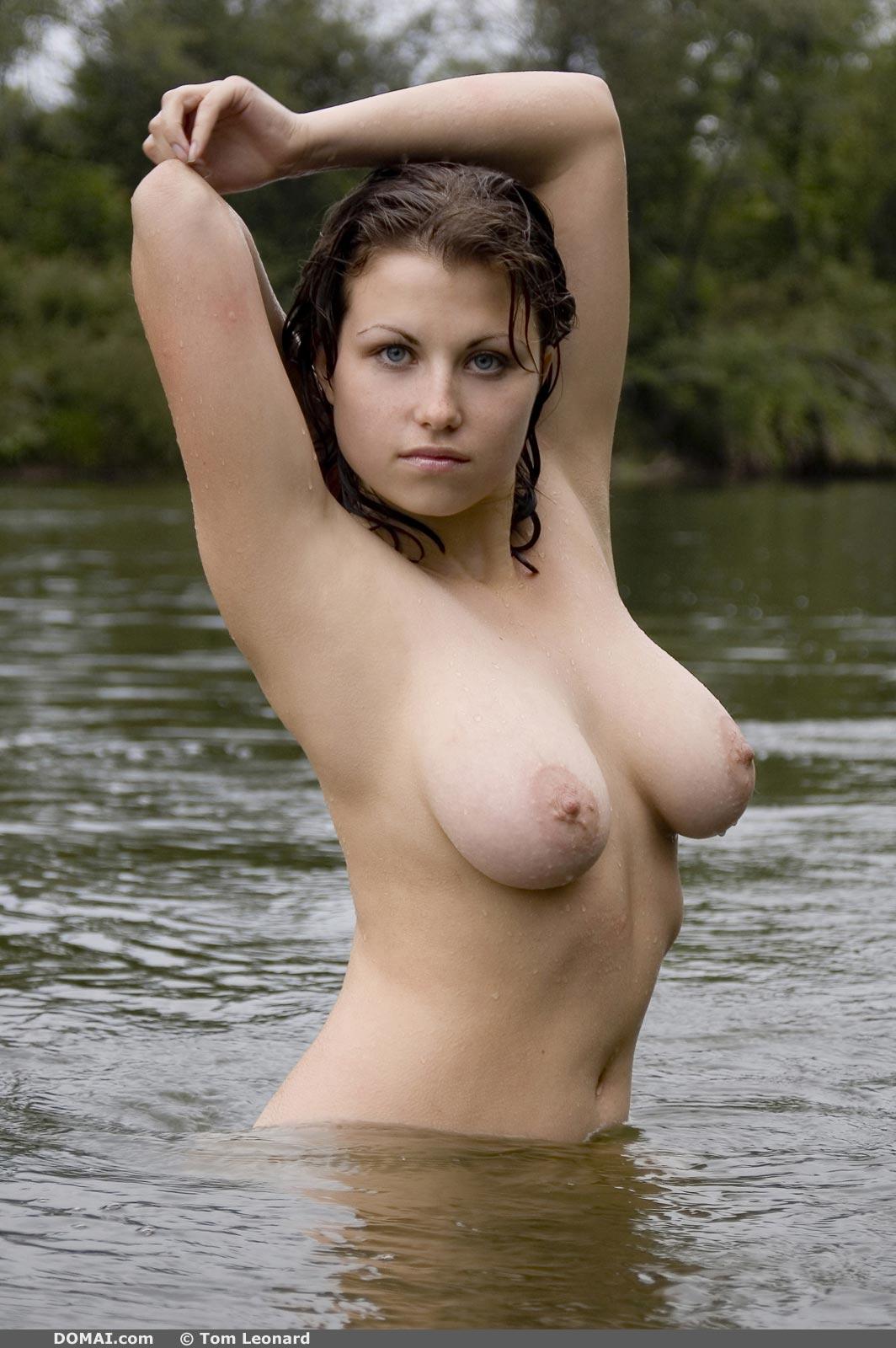 Mia Deep Water - NudesPuri.com