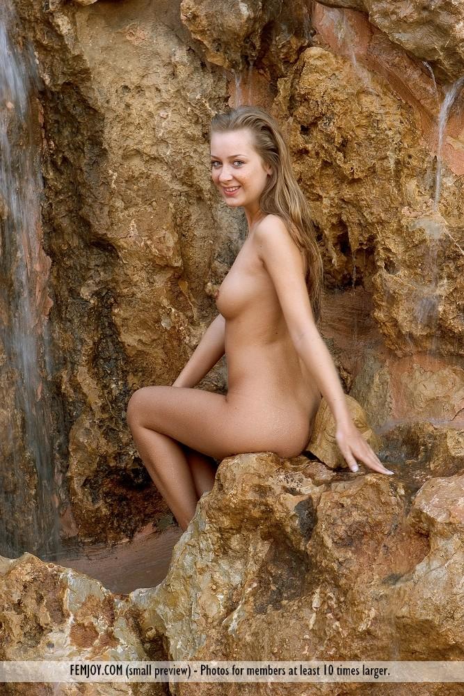 Nude kinga eva pure and femjoy