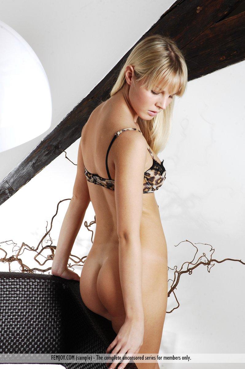 Belinda Post Nude belinda just looking - nudespuri