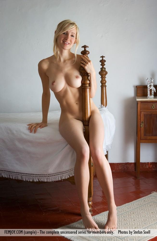 Femjoy nude girls corinna