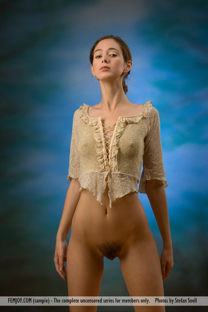 Sexy naked woman pictures