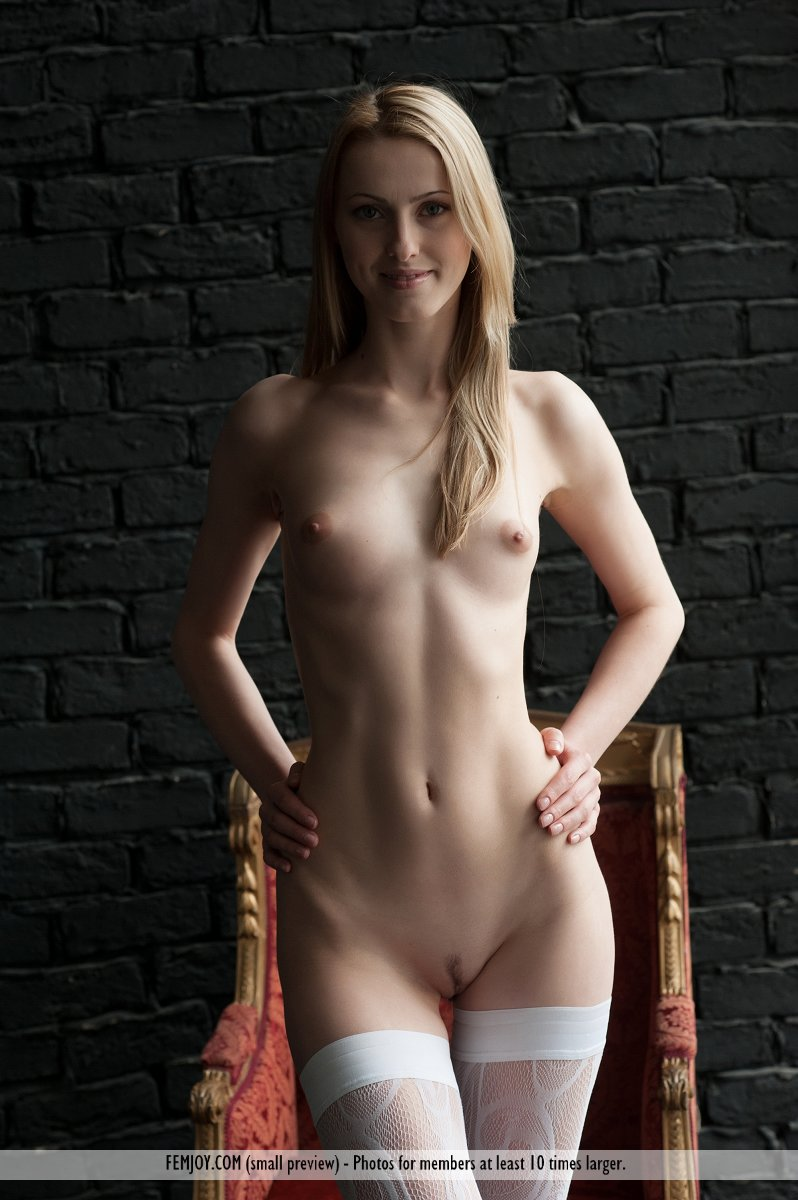 naked girl s in thigh highs