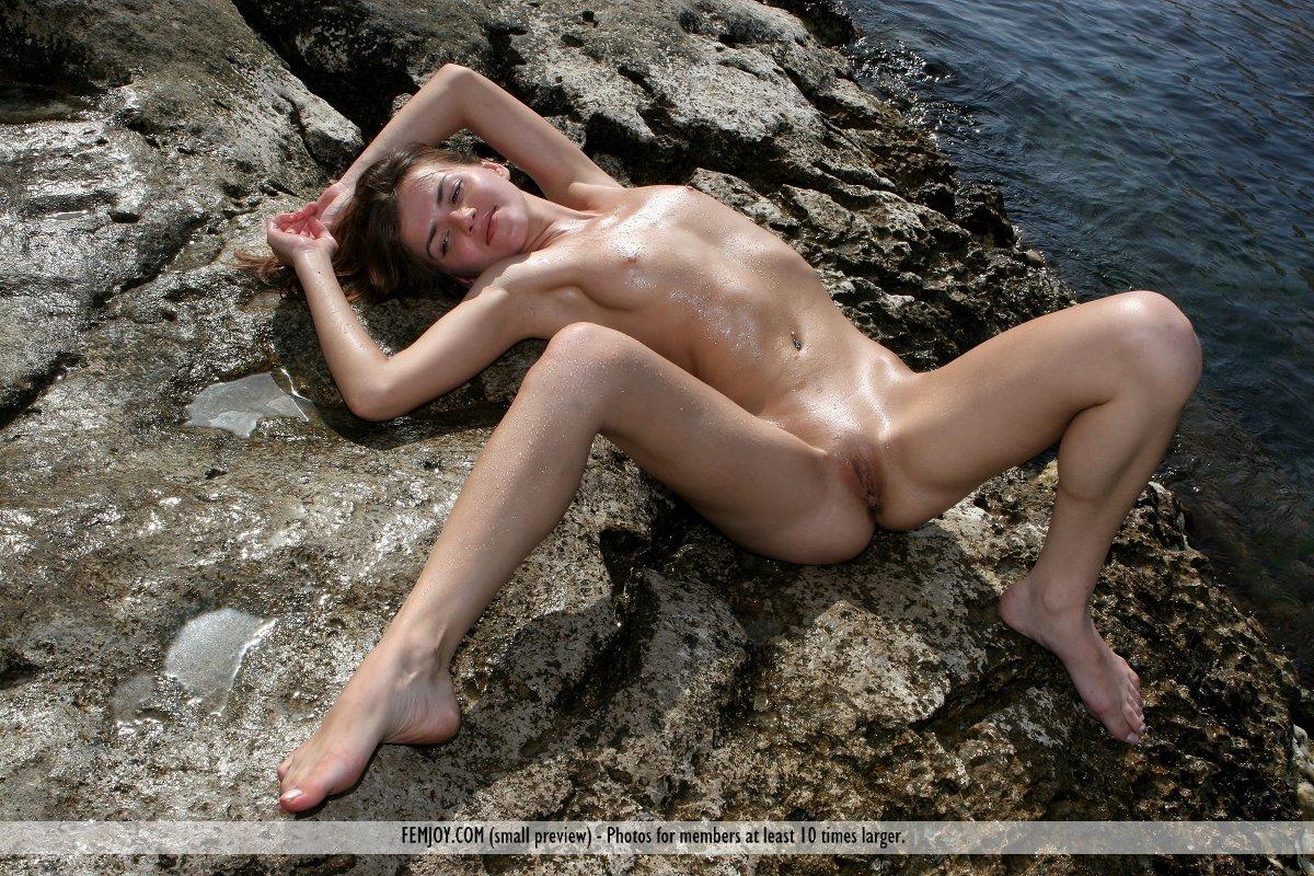 Ondine on the Rocks - NudesPuri.com