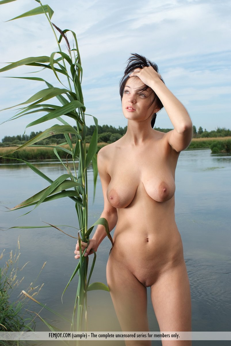 Nude on the lake