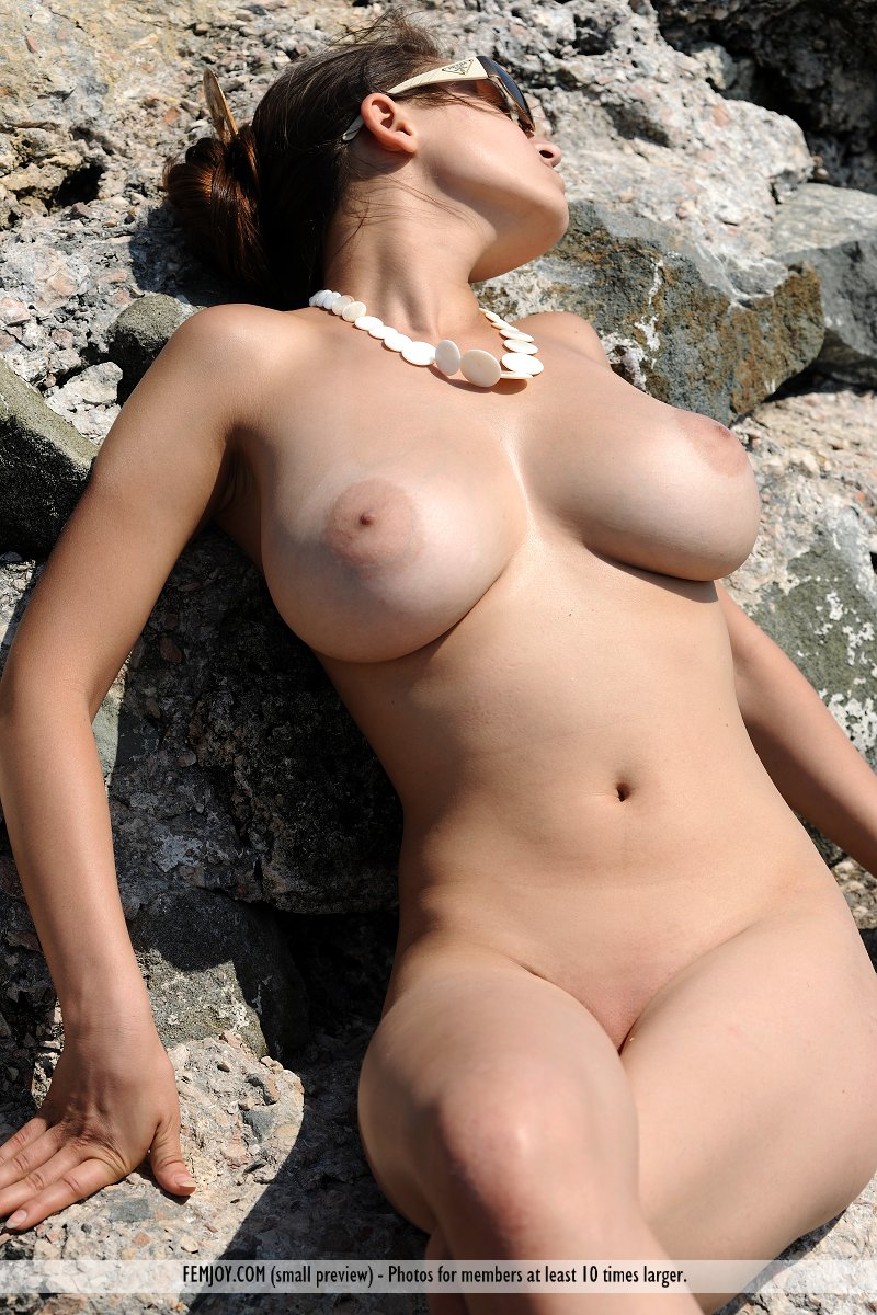 Large nude women hentia photos