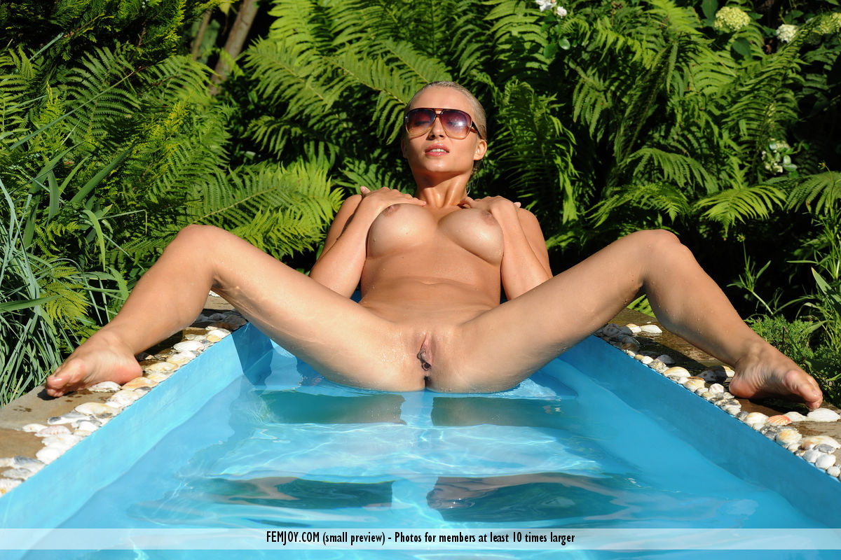 Very good Naked at pool opinion