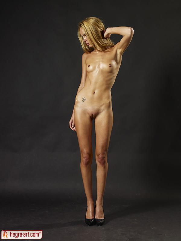 Cute amateur nude women