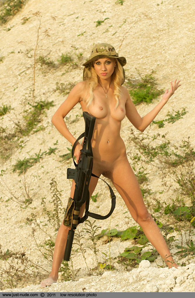 Teens with guns naked