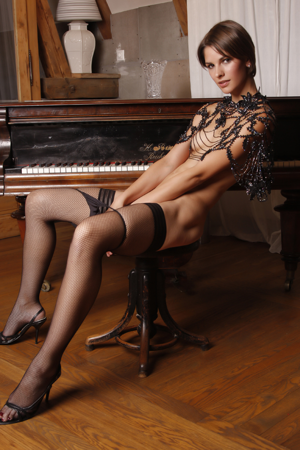 Can Porn star playing piano