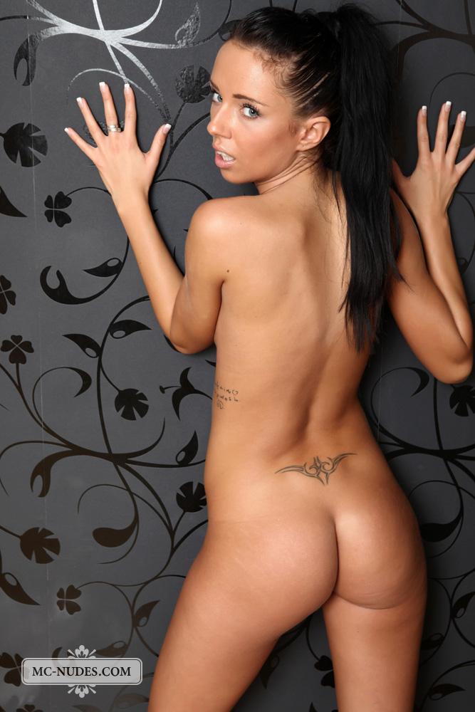 Gina devine nude