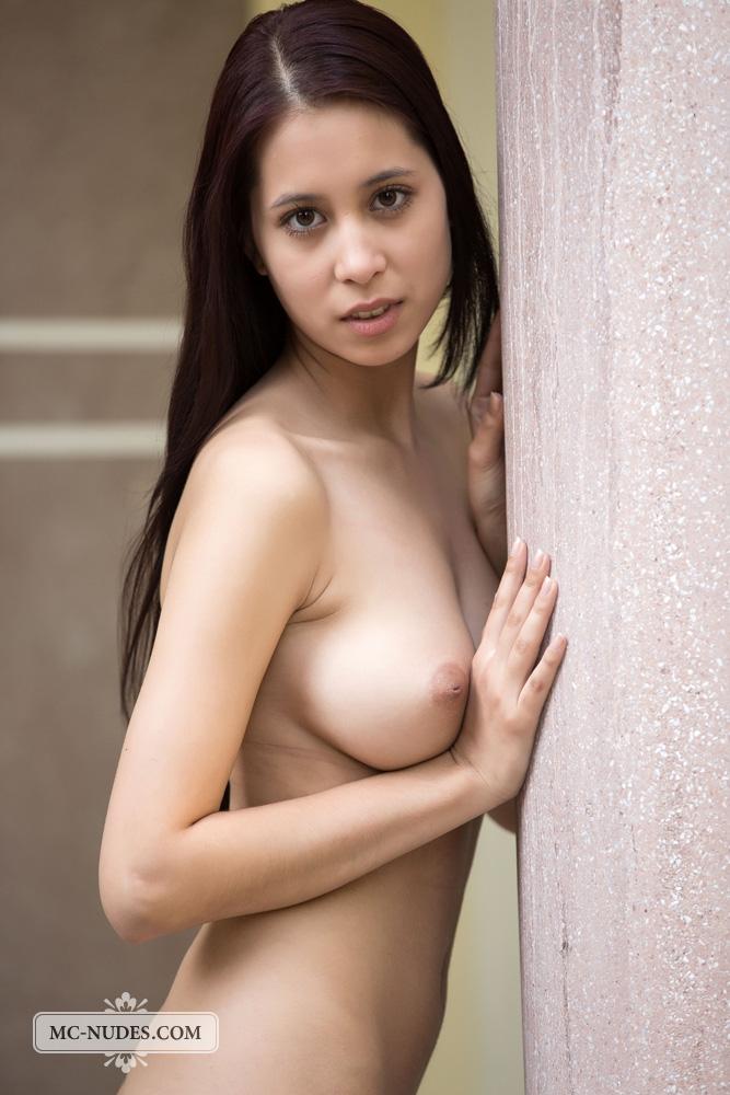 girlfriend naked in shower