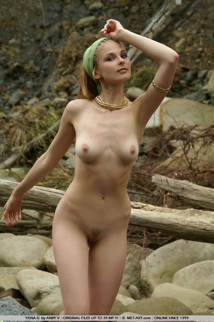 Yana In The Creek - Nudespuricom-7104
