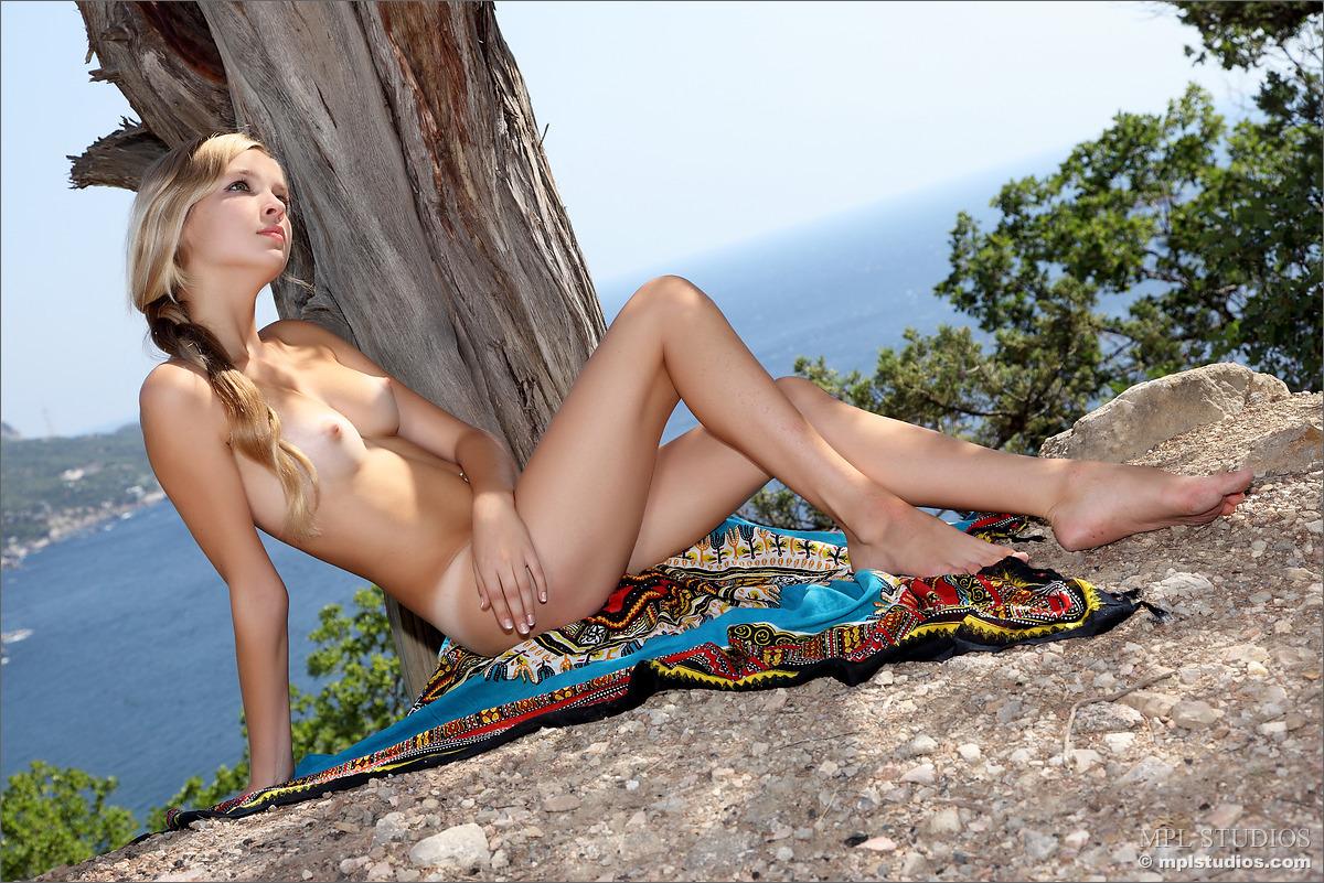 very young virgin hispanic pussy