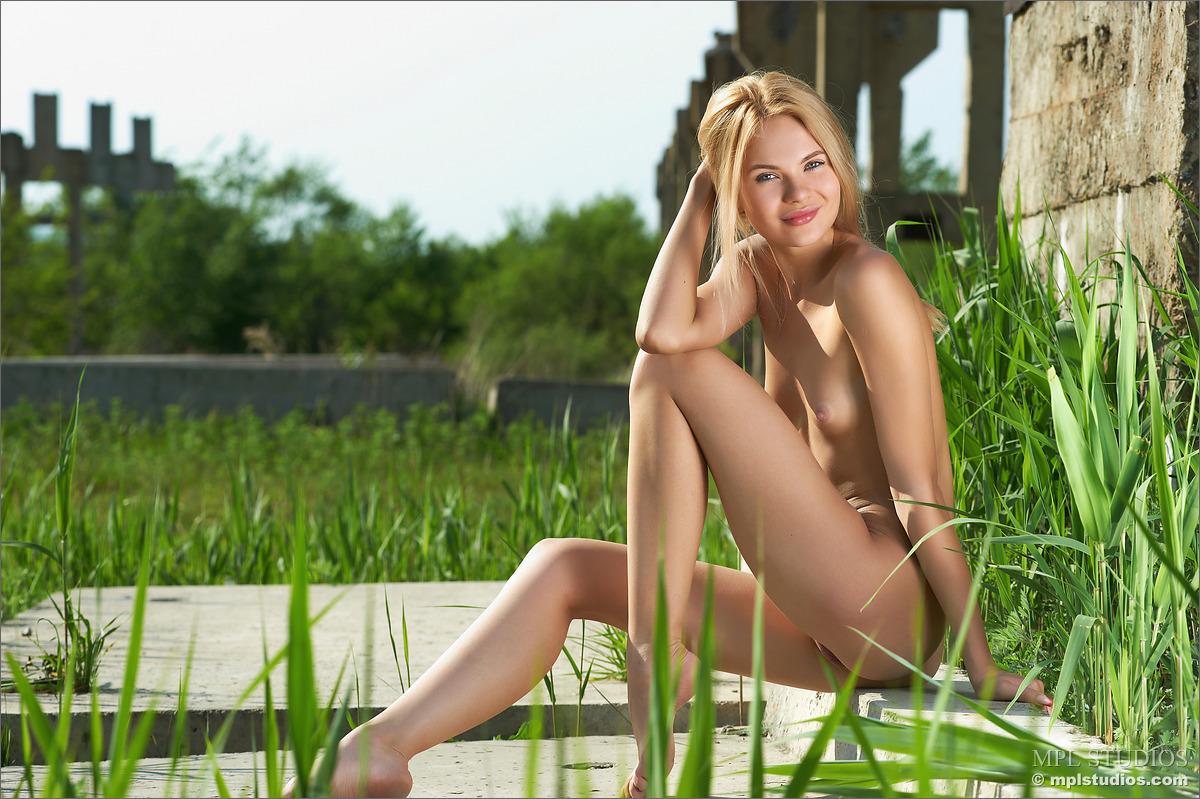 Donna douglas fake nude