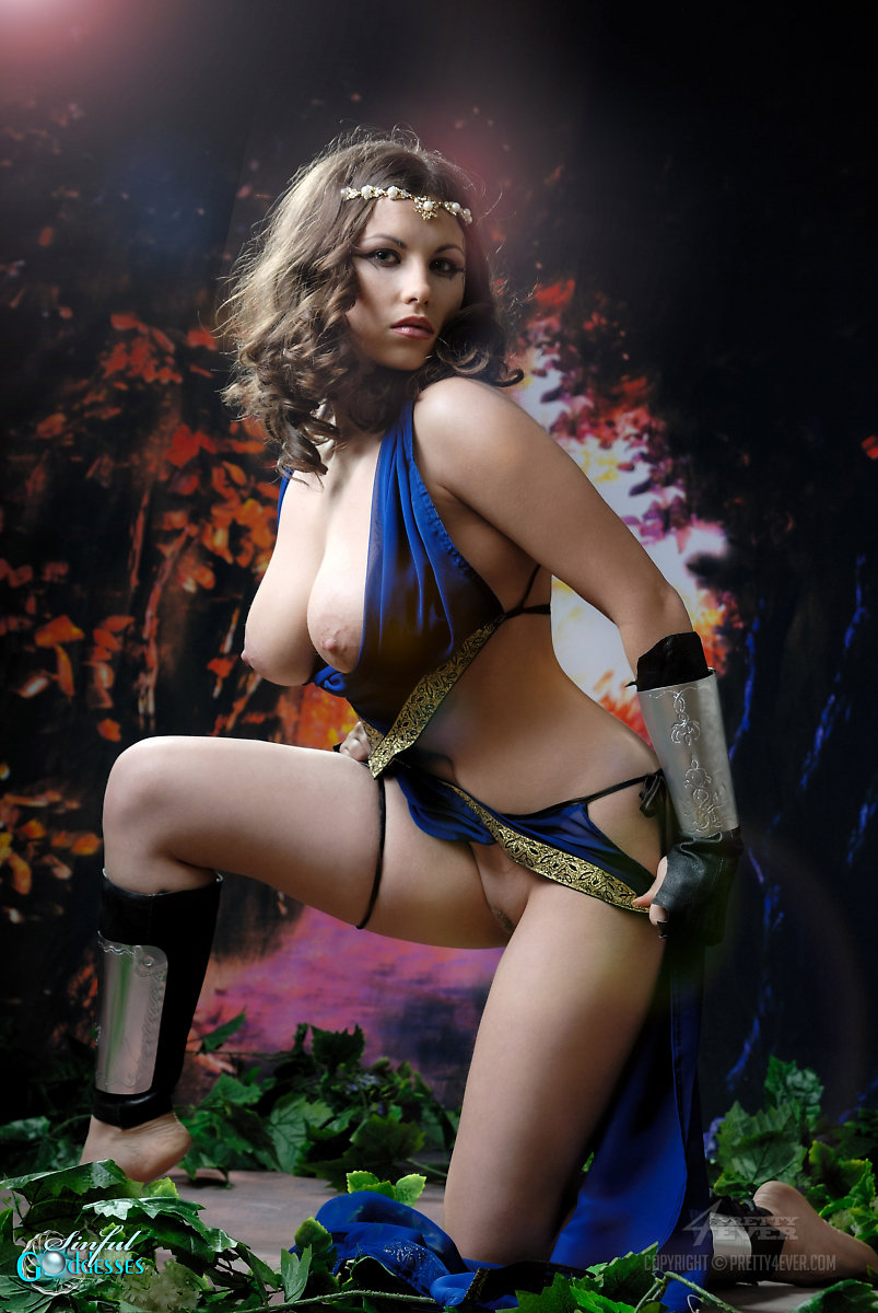Warrior princess cosplay nude fucks scene