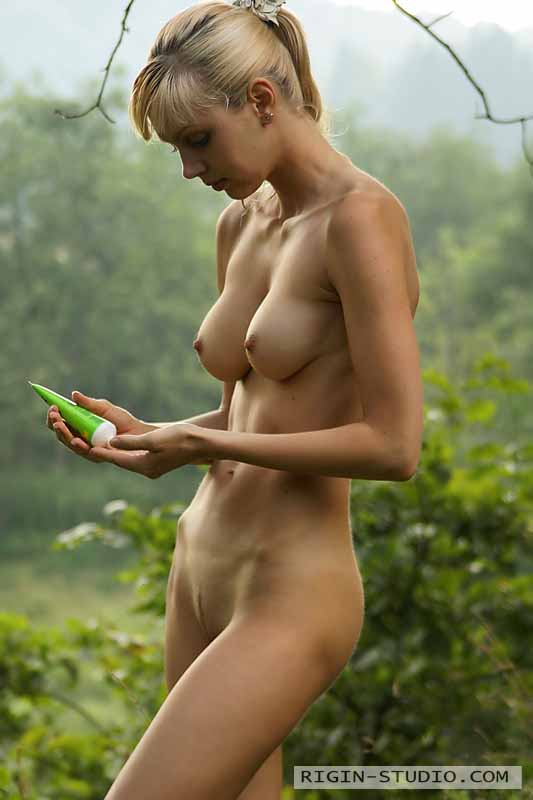 Nataly Nude In The Woods - Nudespuricom-6397
