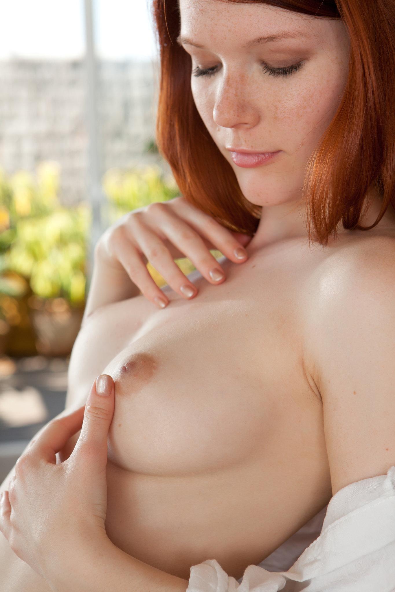 Cute Redhead Mia in White - NudesPuri.com