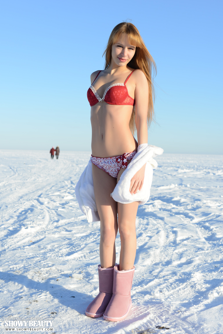 Russian Beauty Nude In The Snow - Nudespuricom-7205
