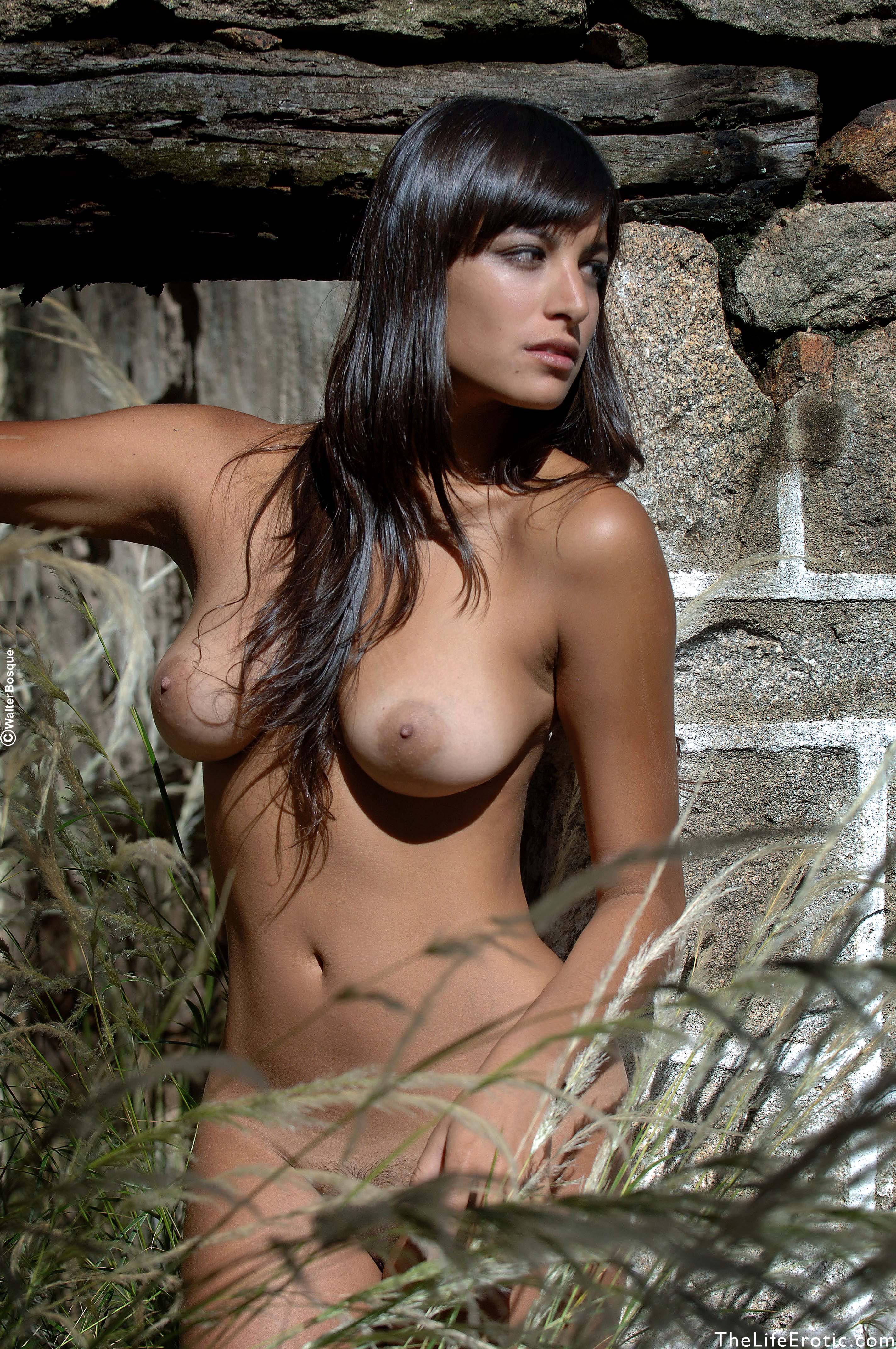 Lola - Posada - NudesPuri.com