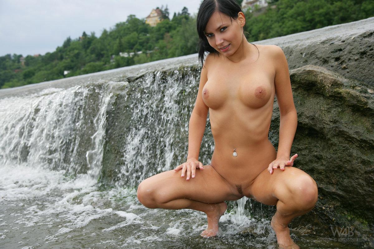 Carie weir nude photos