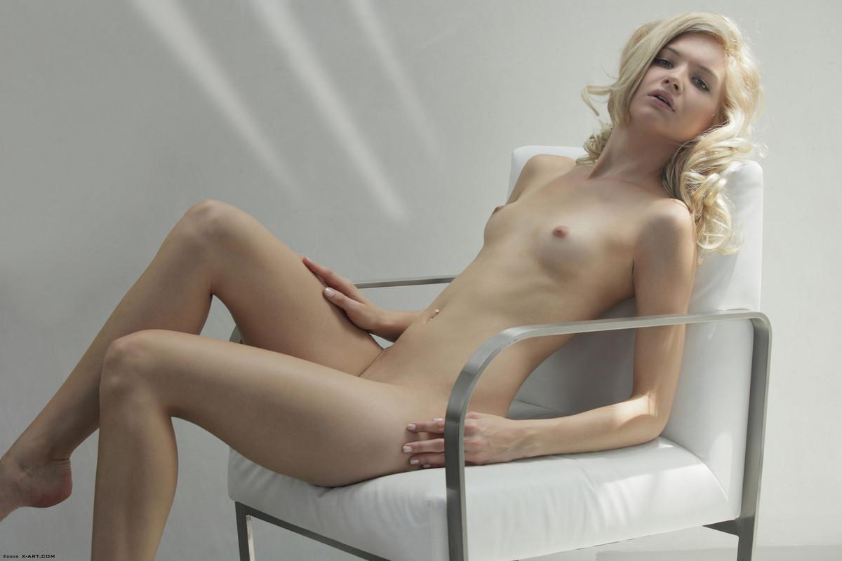 francesca hot girl nude