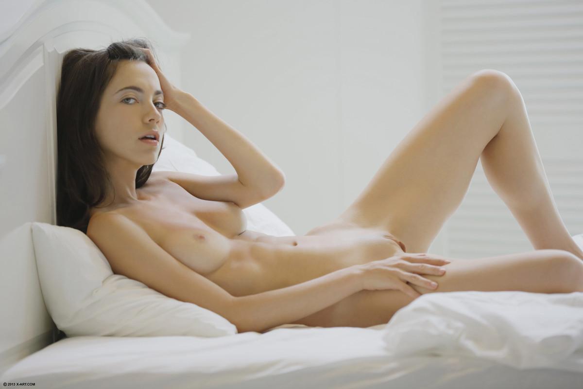 brittany robertson sex scene