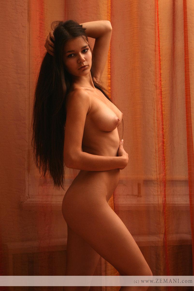 single photo nude girl