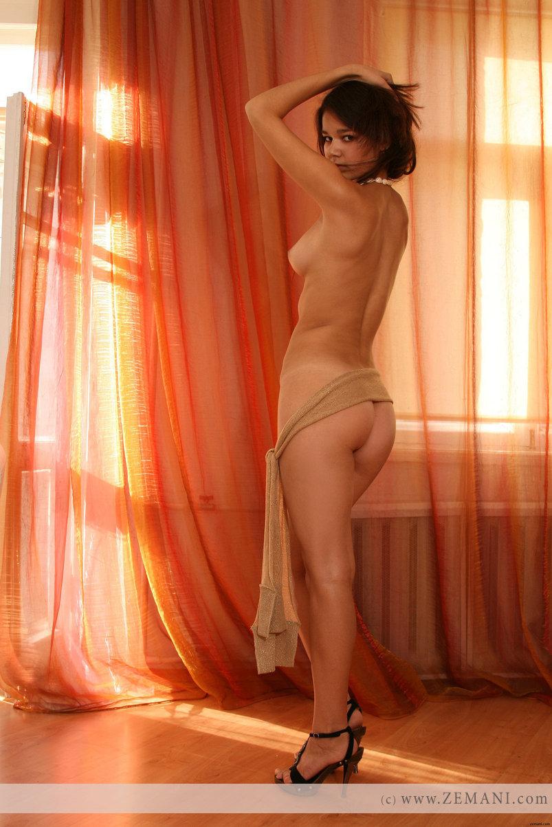dara nude