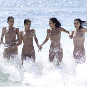 Five-Girls-in-the-Caribbean