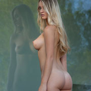 caprice_and_carisha_in_between_us-1