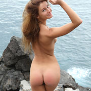 maria_naked_by_the_sea-1