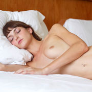 flora_in_bed-18