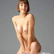 flora_nude_in_a_studio_sitting-1