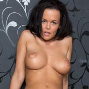 hot_brunette_linet_nude-1