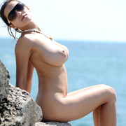 sofie_sunbathing_nude-13