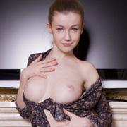 sexy_busty_brunette_naked-2