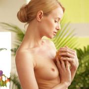 mia_in_bathing_beauty-12