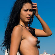 jana_nude_on_the_beach-6