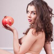 schoolgirl_dakana_has_an_apple_for_the_teacher-4