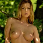 dora_nude_with_a_horst-11