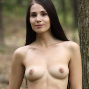 vanessa_nude_in_the_forest-6